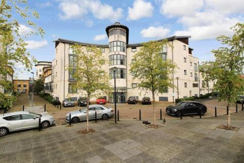 Pasteur Drive, Old Town, Swindon. 2 bedroom apartment