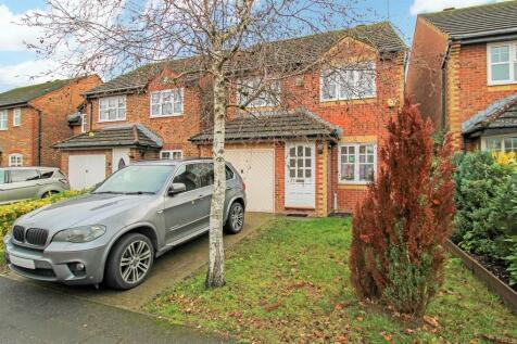 Dunsford Close, Town Centre. 3 bedroom detached house for sale