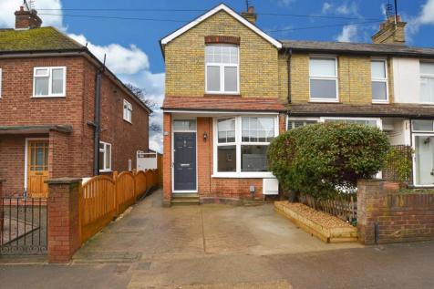 Haycroft Road, Stevenage. 3 bedroom end of terrace house for sale