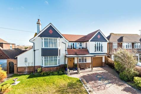 Southcourt Avenue, Bexhill-on-Sea. 5 bedroom villa for sale