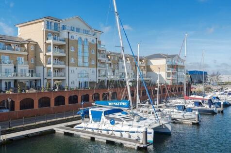 Hamilton Quay, Eastbourne. 4 bedroom penthouse