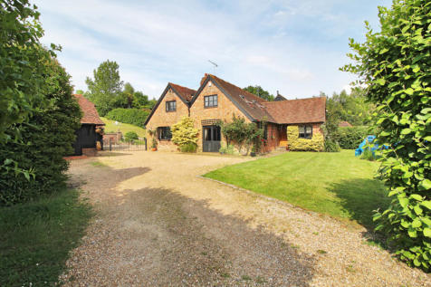 Summerford Farm, Beech Green Lane. 5 bedroom link detached house