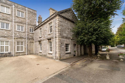 The Square, Stonehouse, Plymouth, Devon, PL1 3JX. 3 bedroom town house