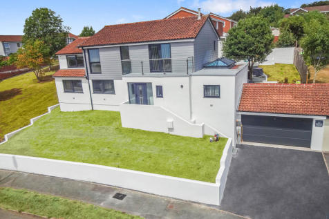 Windermere Crescent, Derriford, Plymouth, PL6 5HX. 4 bedroom detached house