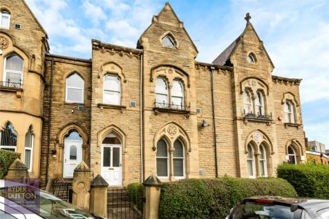 Greenhead Road, Huddersfield, West Yorkshire, HD1. 5 bedroom terraced house for sale