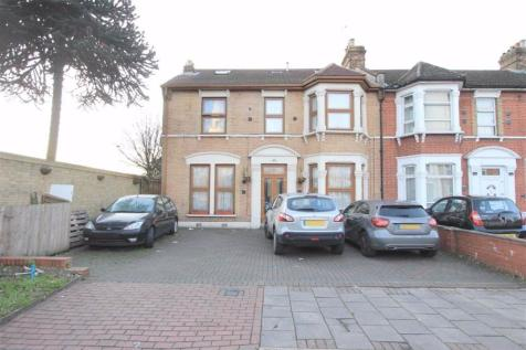 Holstock Road, Ilford, Essex, IG1. 7 bedroom end of terrace house