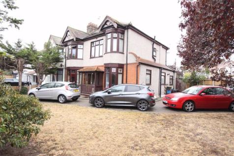 Goodmayes Lane, Ilford, Essex, IG3. 6 bedroom end of terrace house