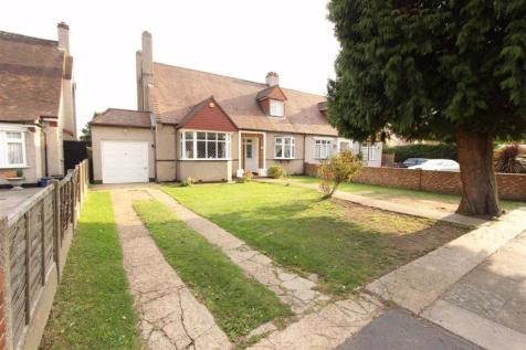 Parkway, Seven Kings, Essex, IG3. 4 bedroom bungalow for sale