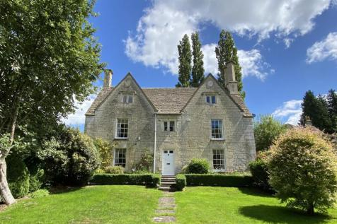 Cheltenham Road, Stroud, GL6. 5 bedroom detached house
