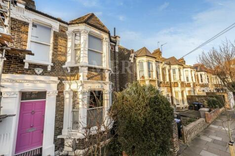 Wakeman Road, London. 5 bedroom house