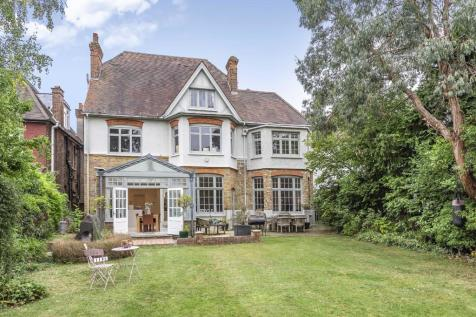 Chatsworth Road, Willesden Green. 7 bedroom detached house for sale
