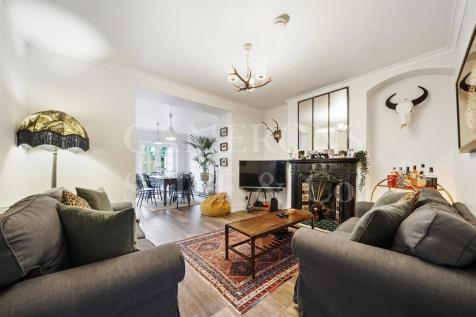 Abbey Road, London. 3 bedroom flat for sale