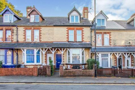 Broxholme Lane, Doncaster, DN1. 3 bedroom terraced house