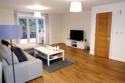 Fairview Road, Stevenage, Hertfordshire, SG1. 2 bedroom apartment for sale