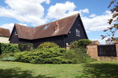 Stebbing Farm, Stevenage, Hertfordshire, SG1. 3 bedroom detached house