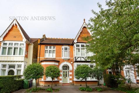 The Avenue, Ealing, W13. 5 bedroom house for sale