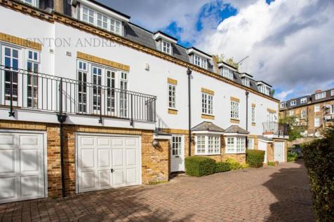 Watermans Mews, The Mall, Ealing, W5. 3 bedroom house