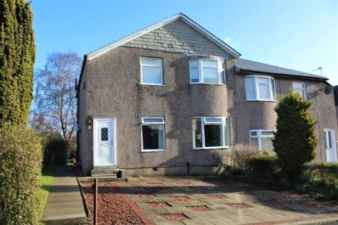 Ashcroft Drive, Croftfoot , Glasgow, G44 5QB. 3 bedroom flat