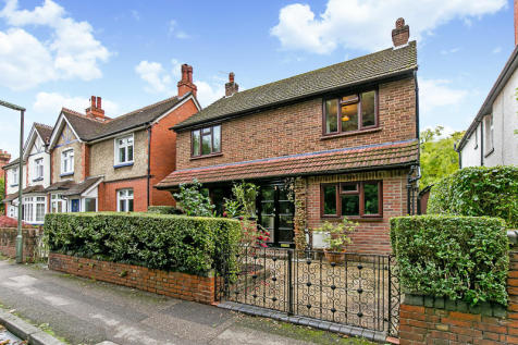 Wiggie Lane, REDHILL, Surrey, RH1. 4 bedroom detached house for sale