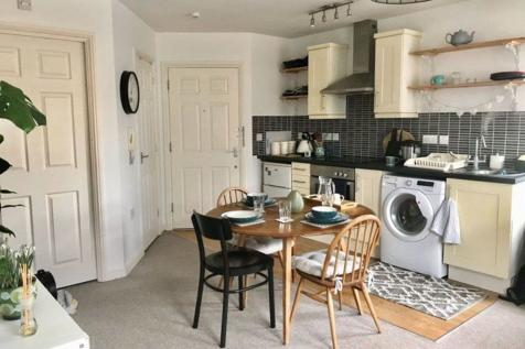 St Ives. 2 bedroom apartment