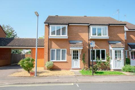 Corrie Road, Cambridge. 2 bedroom end of terrace house