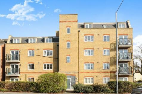 Carrington Court, 39 Kingston Road, New Malden, KT3. 2 bedroom flat