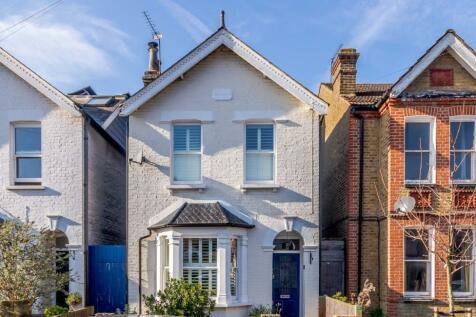 Chesham Road, Kingston Upon Thames, KT1. 5 bedroom detached house