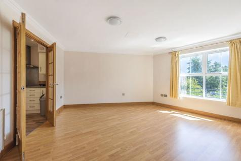 Lower Kings Road, Kingston Upon Thames, KT2. 2 bedroom flat