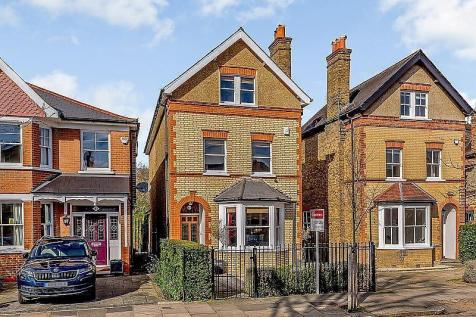 Holmesdale Road, Teddington, TW11. 5 bedroom detached house