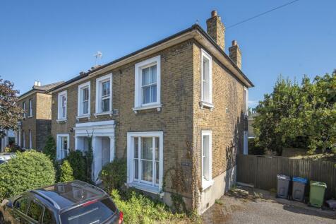 Orchard Road, Kingston Upon Thames, KT1. 4 bedroom semi-detached house