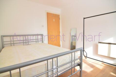 Room- B St David Square  (Canary Wharf), London, E14. 1 bedroom flat share