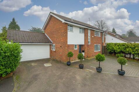 Geralds Grove, Banstead. 4 bedroom detached house for sale