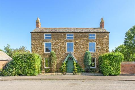Stapleford Road, Whissendine, Rutland. 5 bedroom detached house for sale