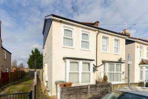 Haddon Road, Sutton, SM1. 2 bedroom maisonette for sale