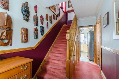 Orchard Way, Sutton, SM1. 3 bedroom detached house