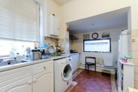Kings Avenue, New Malden, KT3. 6 bedroom detached house for sale