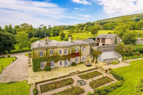 Whitehough, Chinley, High Peak, Derbyshire. 6 bedroom detached house for sale
