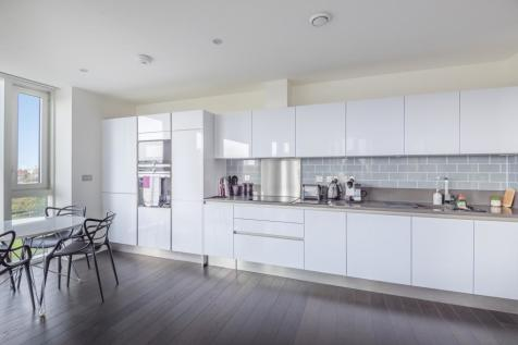 Pilot Walk Greenwich SE10. 2 bedroom flat for sale