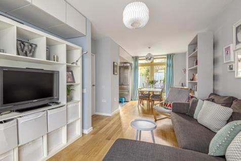 Schoolbank Road London SE10. 3 bedroom town house for sale