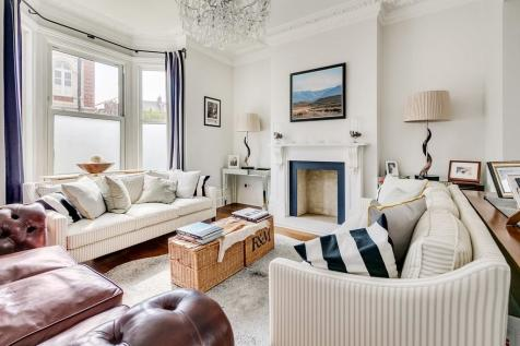 East Hill, London SW18. 3 bedroom terraced house for sale