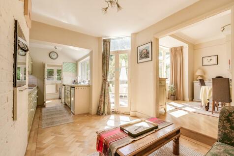 Magdalen Road, London SW18. 5 bedroom terraced house
