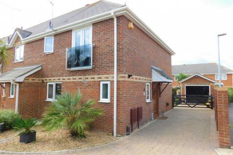 Lulworth Close, Hamworthy, Poole, BH15. 3 bedroom semi-detached house