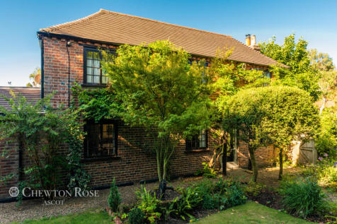 Kennel Ride, Ascot. 5 bedroom country house