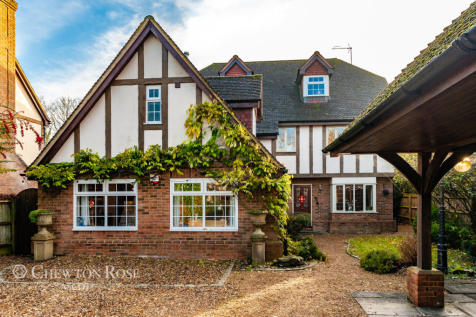Twyford, Near Reading. 5 bedroom detached house