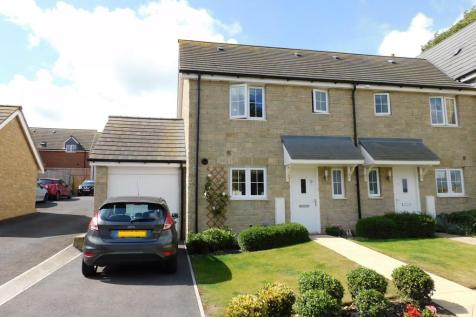 Cloakham Drive, Axminster. 3 bedroom end of terrace house