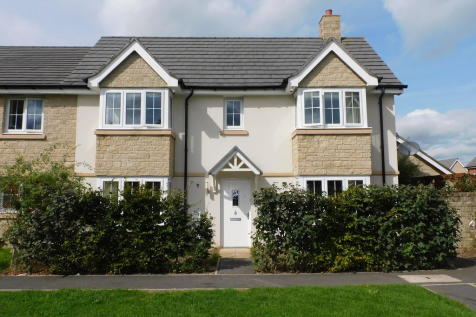 Green Lawn Way, Axminster. 3 bedroom end of terrace house