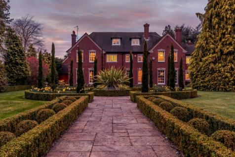 Racecourse Lane, Pedmore, Stourbridge, West Midlands. 7 bedroom detached house for sale