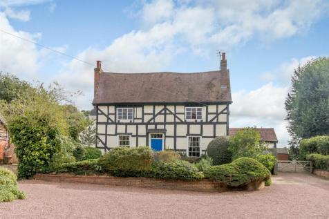 Lincomb, Worcestershire. 4 bedroom equestrian facility