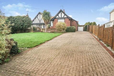 Eye Road, Peterborough, PE1. 3 bedroom semi-detached bungalow for sale