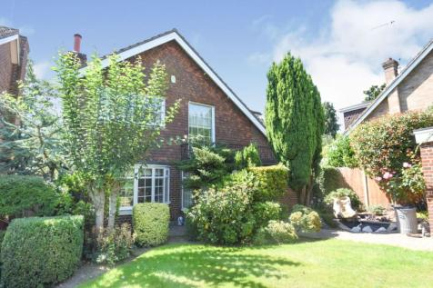 Shenfield Place, Brentwood, CM15. 4 bedroom detached house